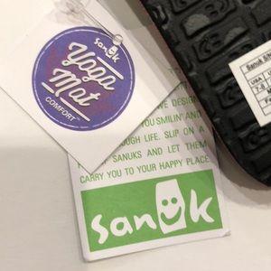 Sanuk Shoes - ✨New✨ Sanuk Sandals